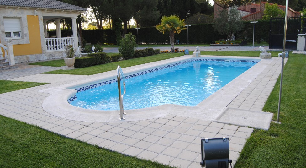 Piscinas en palencia chimeneas en palencia piscinas for Piscinas palencia